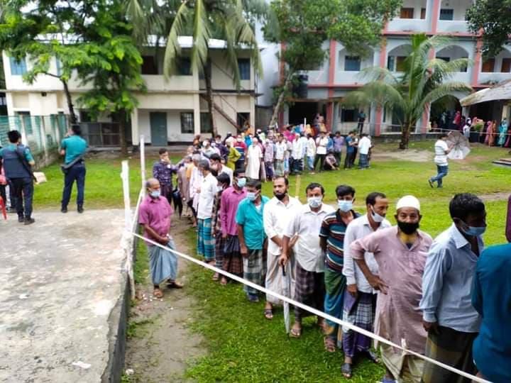 Photo of ইউপি নির্বাচন : বরিশালে বোমা হামলা গুলি বর্ষণ, নিহত ১, আহত অর্ধশত